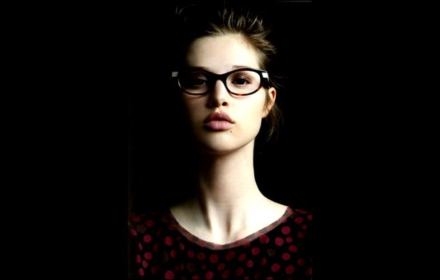 Maquillage quand on porte des lunettes - Lunette pour se maquiller ...