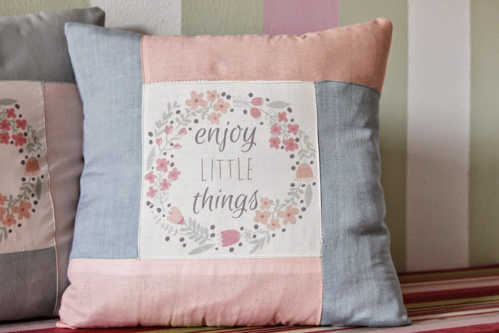 enjoy little thing cushion