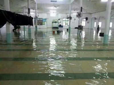 http://bm.harakahdaily.net/index.php/berita-utama/23991-kebesaran-allah-di-masjid-al-fatah-gambang-kuantan