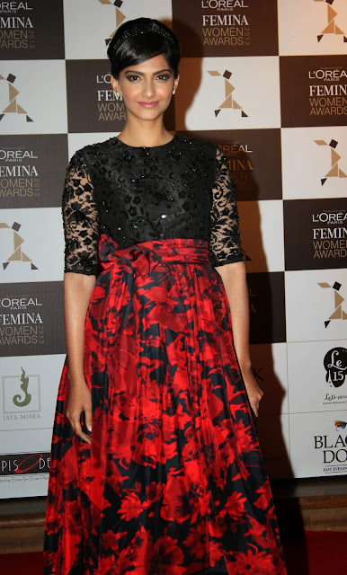 "The second edition of L'Oreal Paris Femina Women Awards 2013 brought in a winding list of beautiful women who are truly ""worth it"". Brand ambassadors Sonam Kapoor and Aishwarya Rai Bachchan graced the event along with several others. Awards were given across 18 categories including entrepreneurship, sports, art, education, television, music, science, and business."