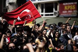 Fitch afirma que las protestas en Turquía no afectan a su calificación crediticia