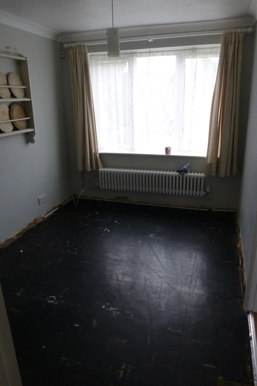 Paint and style the dining room floor is in the house was built in 1960 and somebody thought it would be a good idea to lay black floor tiles in the dining room how wrong they were dailygadgetfo Gallery