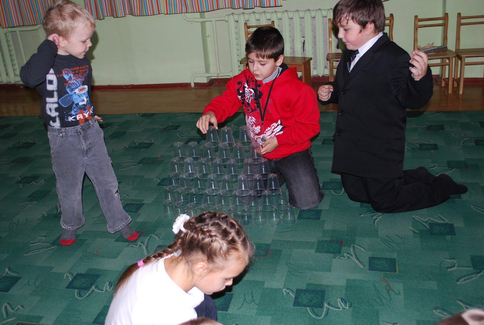 Игрушки из стаканов своими руками