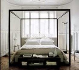 Antonio Citterio Canopy Bed