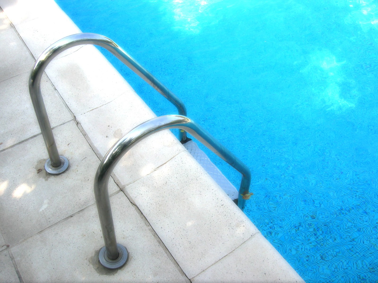 guide de remise en route apr s un hivernage actif hivernage piscine. Black Bedroom Furniture Sets. Home Design Ideas