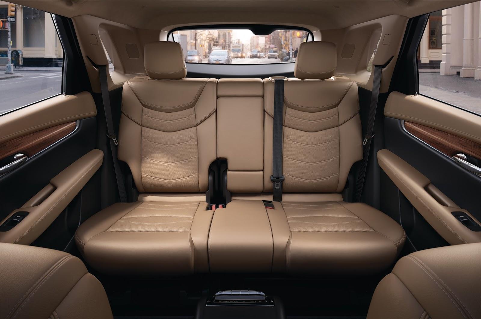 2017-Cadillac-XT5-16