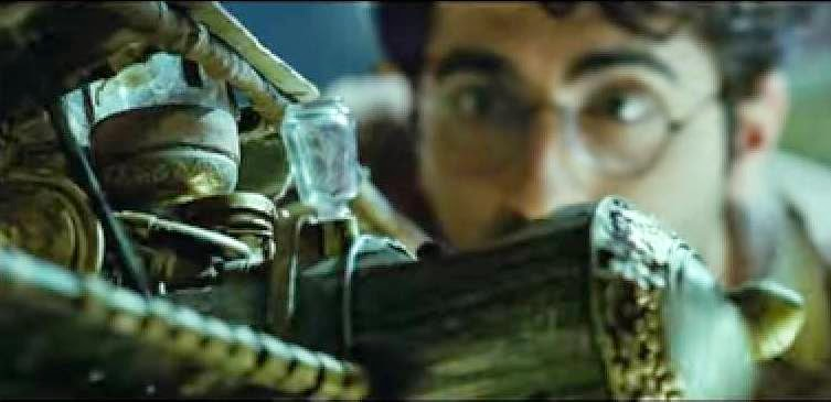 Ayushmann Khurrana making airplane in Hawaizaada