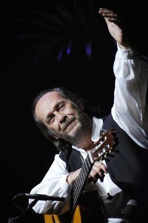 Paco de Lucía, en el Festival de Jazz de Vitoria de 2004. by RAFA