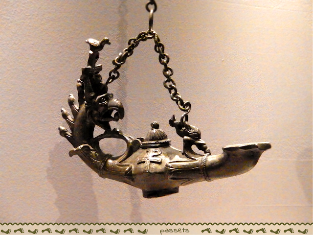 Lámpara Museo Civilizaciones Anatolias