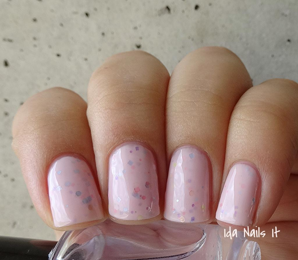 Ida Nails It: Polish Addict Friday