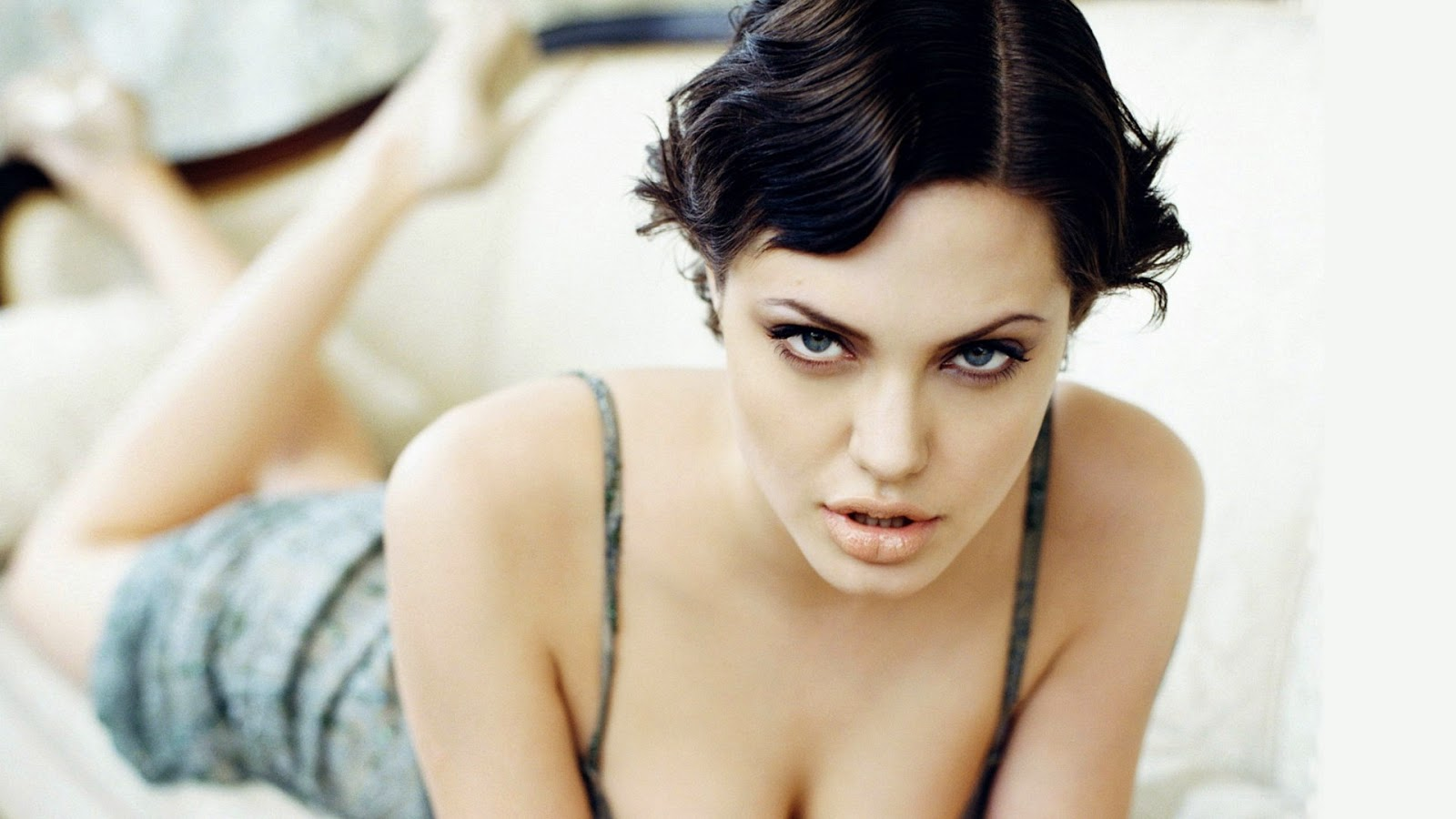 Hollywood Actress Angelina Jolie hot pose Images