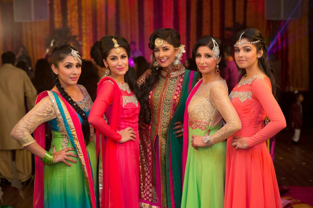 indian wedding, mehndi, bridesmaids