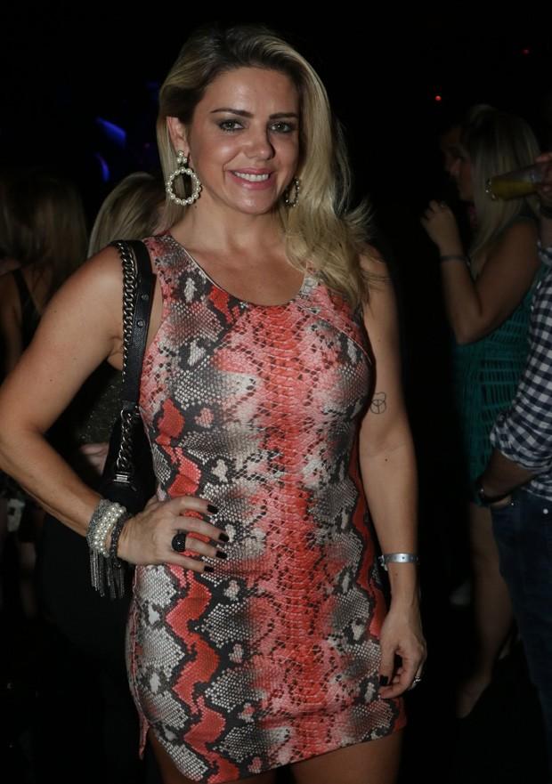 Mari Alexandre no show de Marcos & Belutti no Villa Mix, São Paulo - Vestido curto