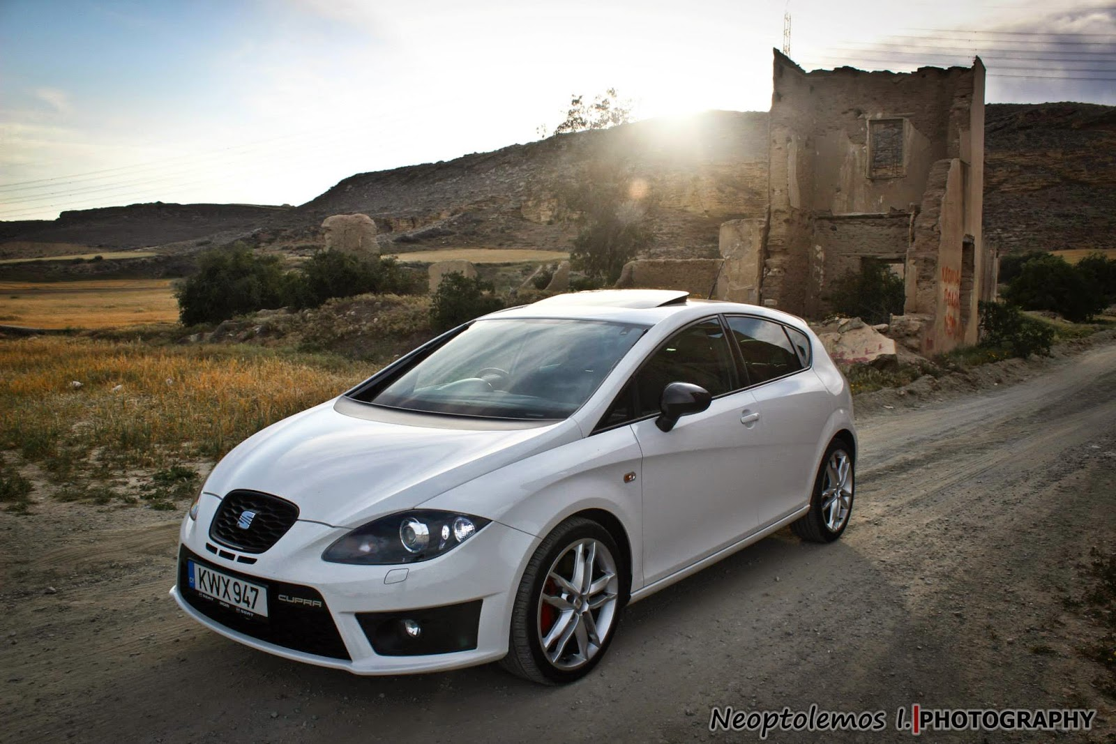 seat leon cupra mk2 1p facelift 2009 cyprus photos with my friend 39 s seats. Black Bedroom Furniture Sets. Home Design Ideas