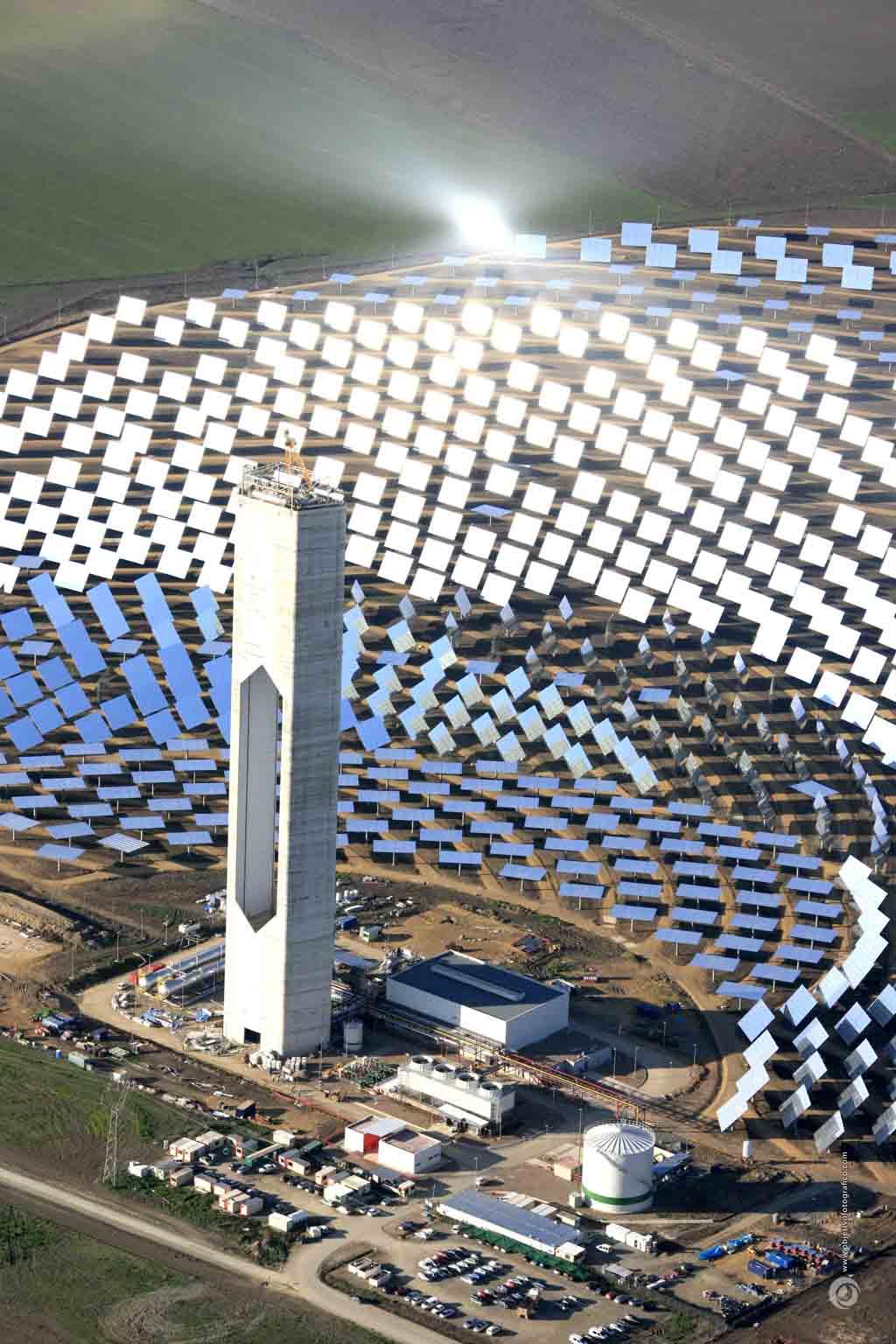 E col energ a solar i - Centrale solare a specchi piani ...