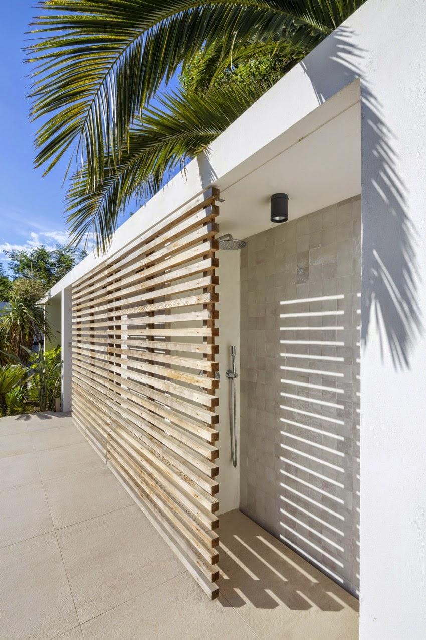 Hogares frescos residencia con espacios al aire libre - Paneles de madera para exterior ...