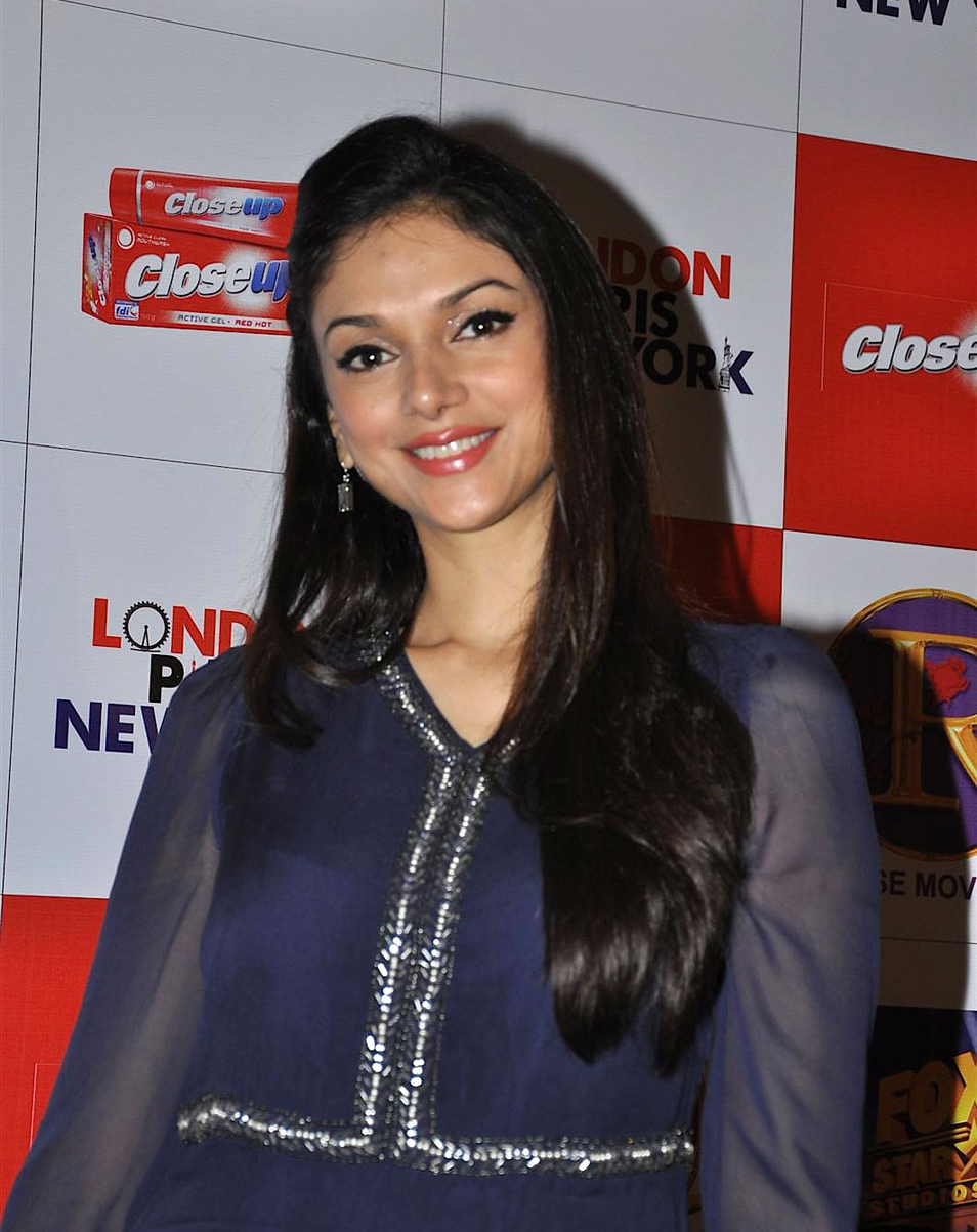 aditi rao hydari | hd wallpapers (high definition) | free background