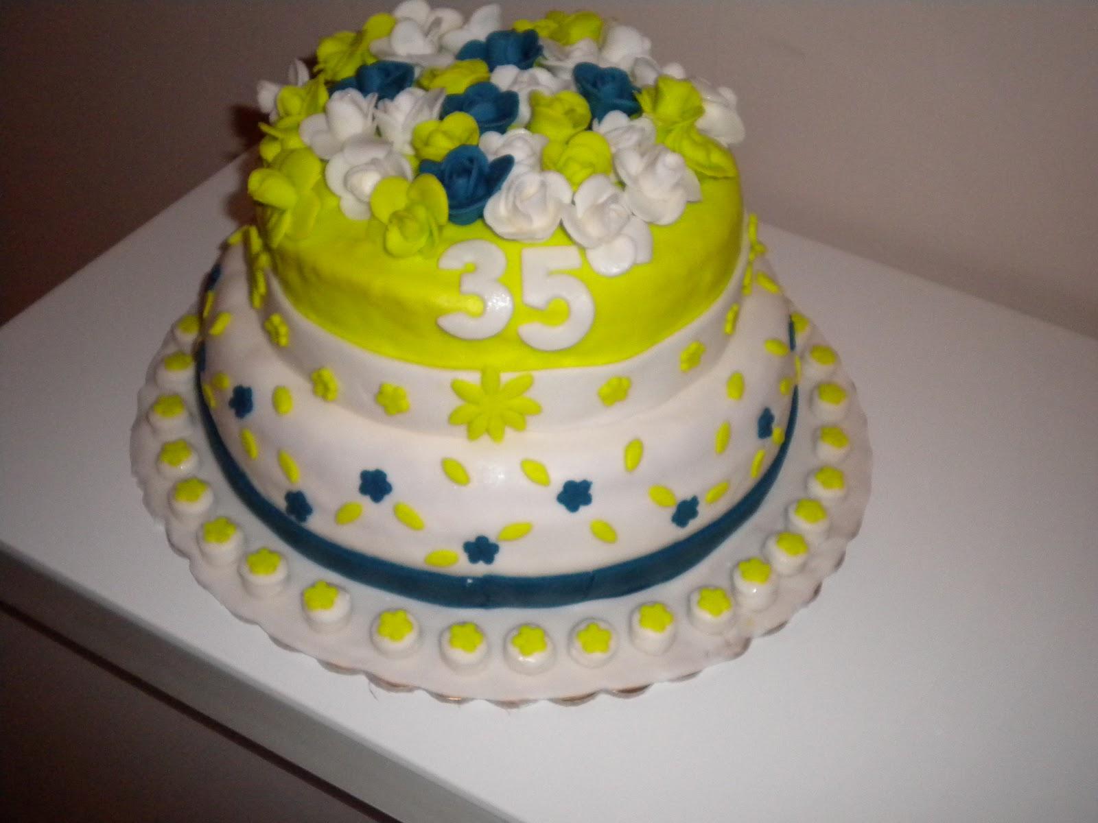 Le torte di patricia torta di compleanno verde acido e for Piccoli piani di fattoria a 2 piani