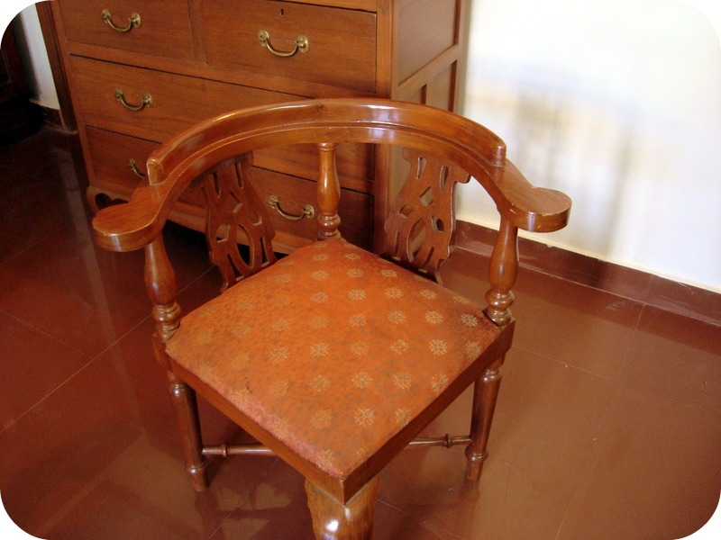 the design enthusiast antique chairs and more vintage love guest post  shalini aka kamakshi diamond - Antique Corner Chair. Antique Corner Desks. Antique Furniture Chairs