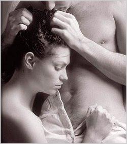 como fazer o sexo oral perfeito em um homem mulher fazendo sexo oral