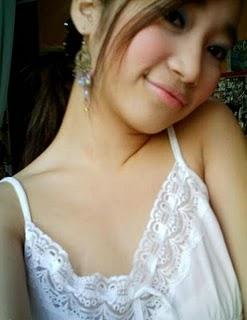 http://1.bp.blogspot.com/-j0-10G4CwrM/TaG0IPb56SI/AAAAAAAAAe4/ssksFqyP3OI/s1600/tante+muda+cantik+3.jpg