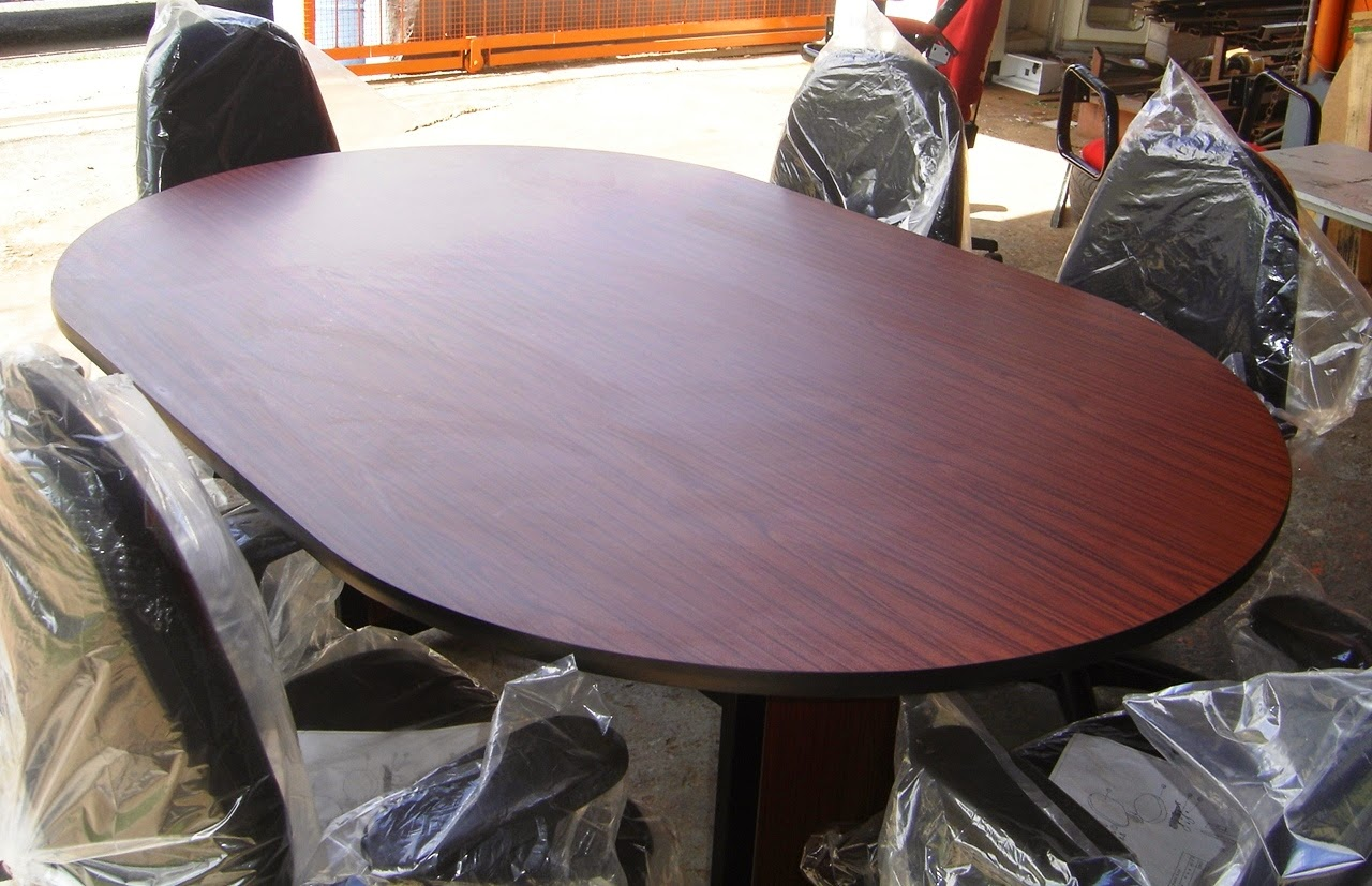 Afford Office Line Limited TABLES - Oval conference table for 6