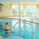 Hallenbad im Wellnessberreich des Hotel Sonnenheim