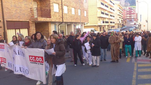 nicio de la Manifestacion Concentracion  alas puertas del Hospital