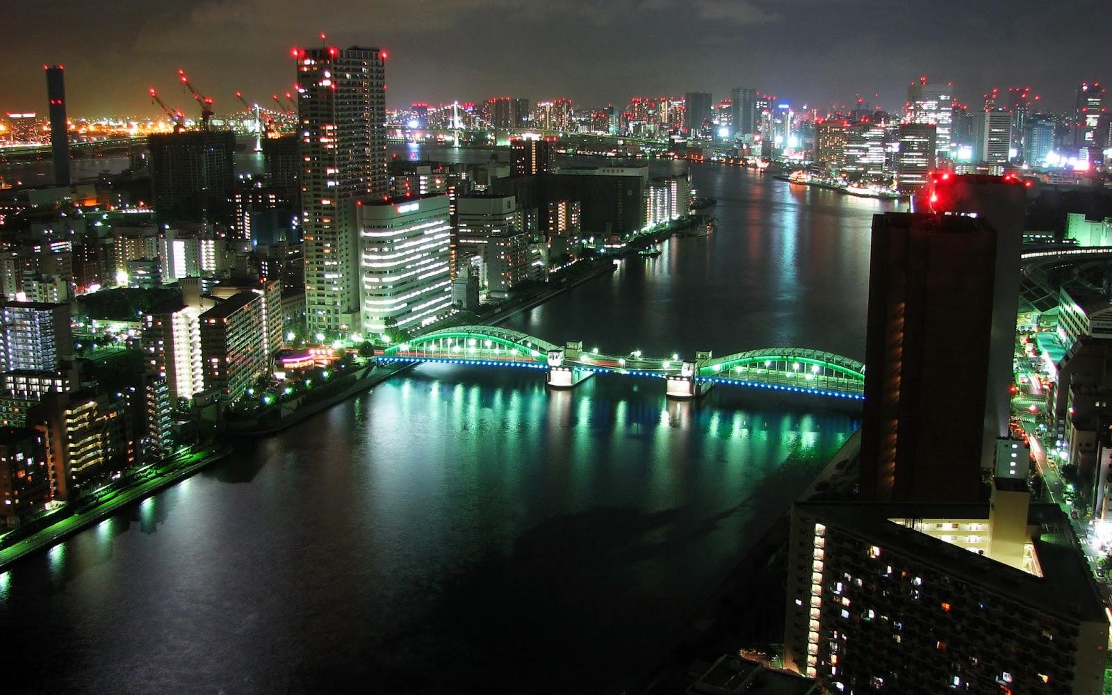 """<img src=""""http://1.bp.blogspot.com/-j0a2GsUzNEA/UukoA3pGepI/AAAAAAAAKoE/P8TOB_E5Dq8/s1600/tokyo-panorama-wallpaper.jpg"""" alt=""""tokyo panorama wallpaper"""" />"""