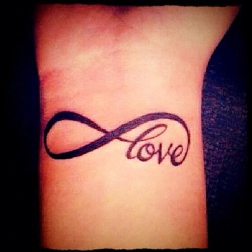 Татуировка знак бесконечность значение эскизы тату и  - что означает тату знак бесконечности