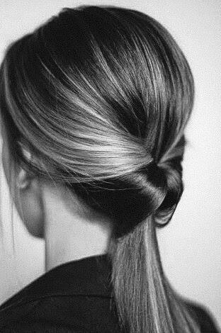 El vinagre reseca el cabello.