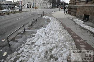 """Fake-Winterdienst: """"Geräumter Radweg"""" Gorch-Fock-Wall / Stephansplatz"""