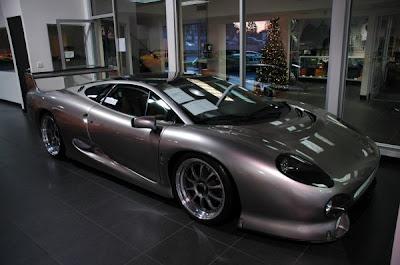 jaguar-xj-220