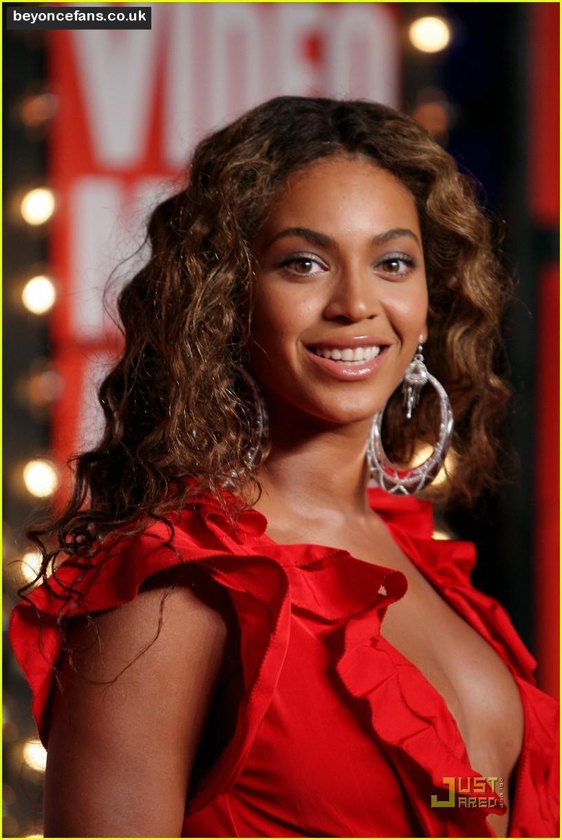 Beyonce Knowles: Beyonce Knowles Hot Wallpapers