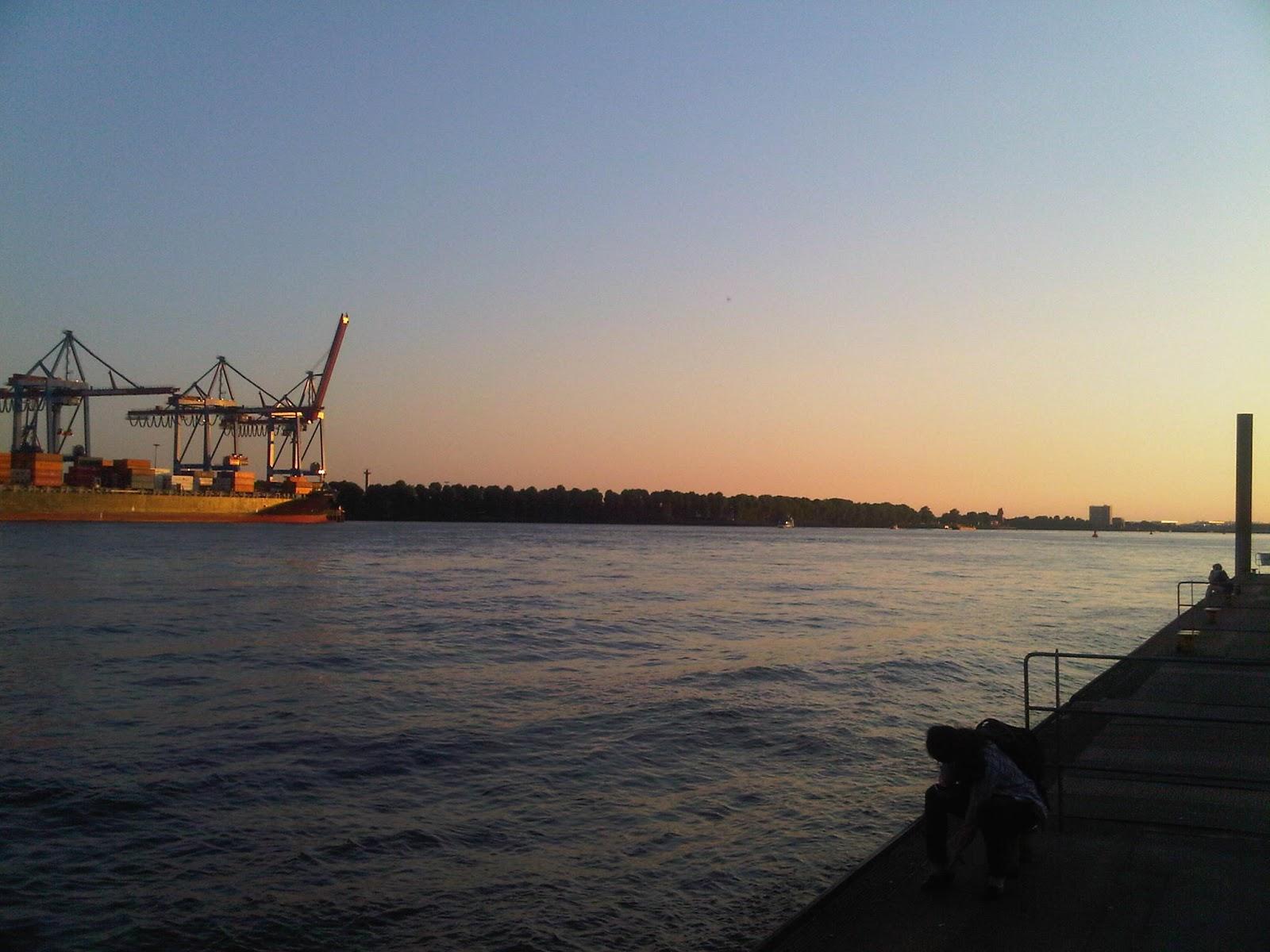 Bilder vom Container Terminal von Övelgönne aus