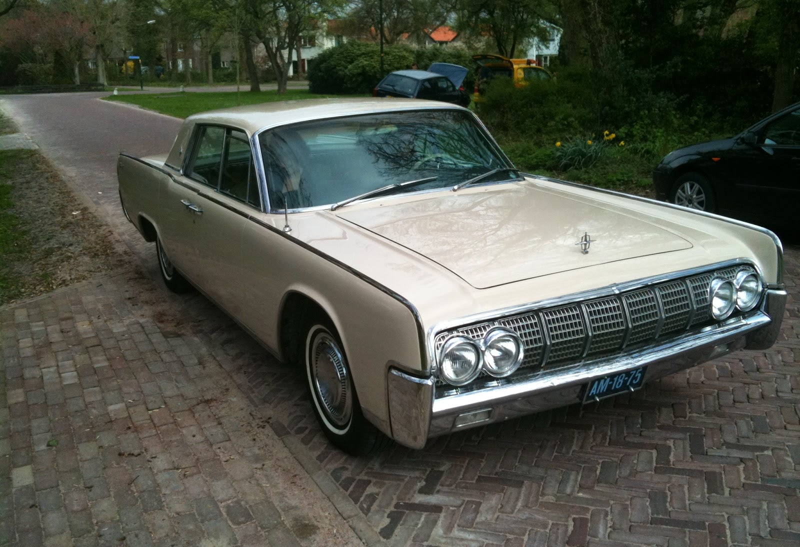 1964 lincoln continental buying the car. Black Bedroom Furniture Sets. Home Design Ideas