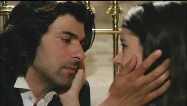 Fatmagul and Karim kissing