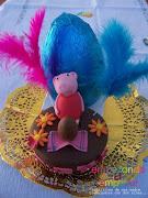 Y otra monita más con huevo de Peppa Pig. Una de Hockey hierba. mona con huevo de pascua peppa pig fondant cake