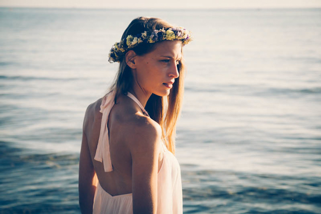 boho editorial novios sesión corona de flores ramo bohemio silvestre aloha estudio