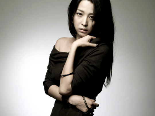 Korean Actress / Model Han Go Eun is the Hottest and Sexiest 41-Year-Old
