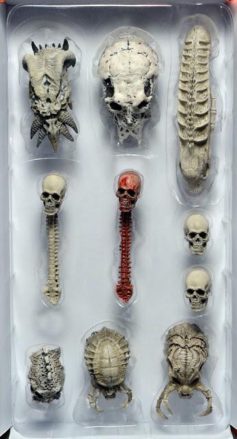 NECA Predator Trophy Skull Set