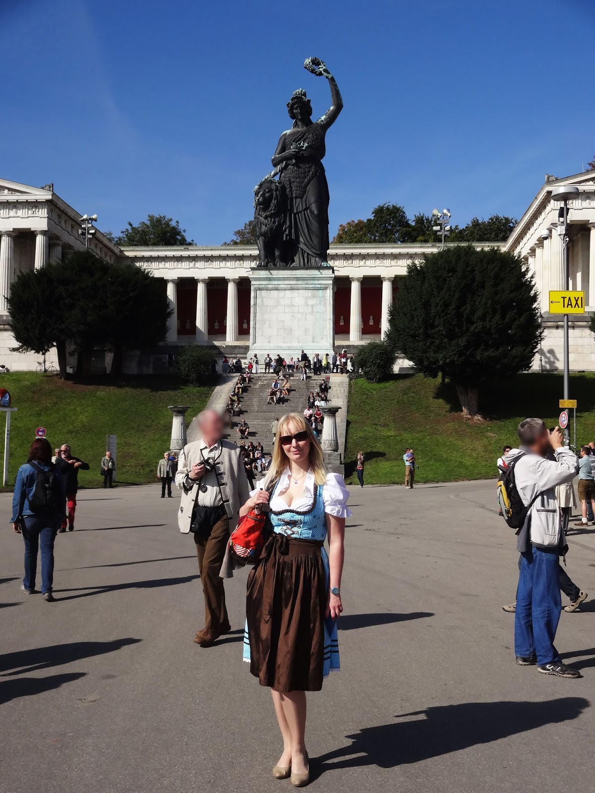 Bavaria Statue Pretty Clover Beautyblog Doris Weber