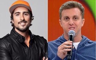 O  Twitter tem um novo rei entre os apresentadores de TV brasileiros. Marcos Mion ultrapassou Luciano Huck no número de seguidores na rede social, chegando a marca do 10,9 milhões de seguidores.