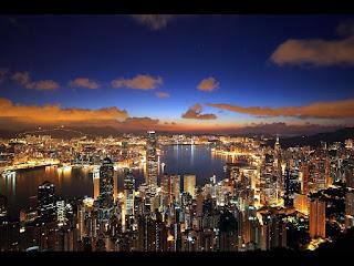 百万ドルの夜景で有名な香港の画像です ヴィクトリア・ハーバーからの眺...  機会があれば行って