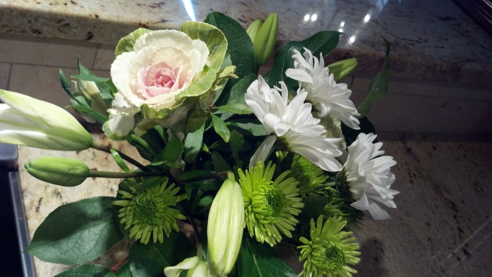 Laurl Designs: Easy flower arranging- from the grocery store