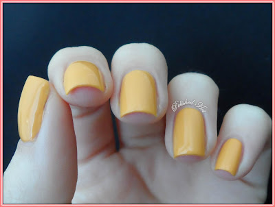 Viva-La-Nails-Garden-of-Colour-Creme-Brulee-swatch