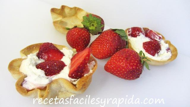 tartaletas de fresa con nata