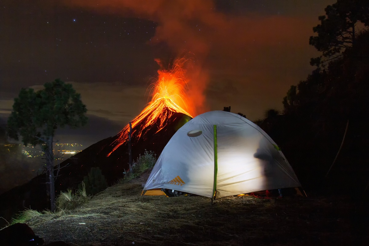 El Volcán de Fuego desde el Volcán Acatenango - © Matthias Huber / Instagram