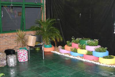 Jardim reciclado com pneu