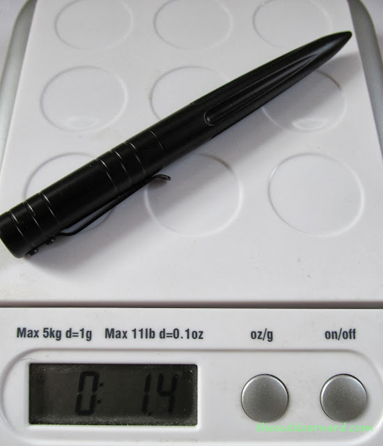 Schrade SCPENBK Self Defense Pen: On Scale